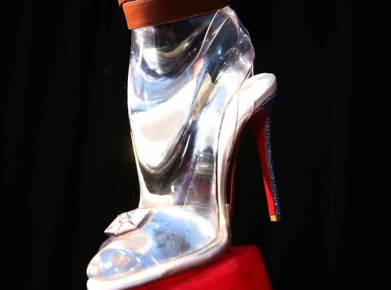 date de sortie: d5cf7 d5f83 Les Marseillais : Les candidats privés de chaussures ...