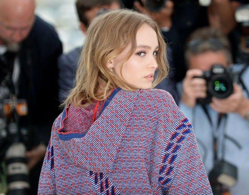 Photos : Les 50 fois où on l'a confondue Lily-Rose Depp avec