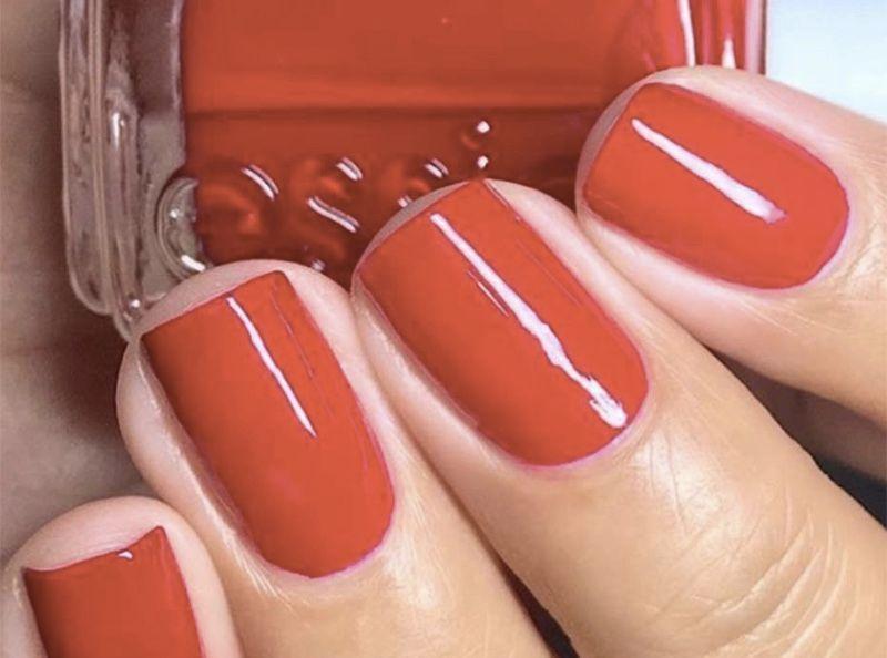 Manucure : 12 pots de ce vernis à ongles rouge se vendent chaque heure à travers le monde