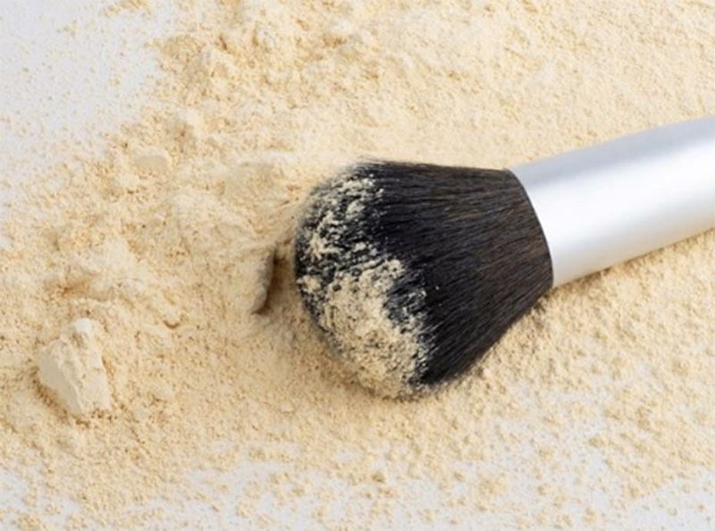 Fixation du maquillage : cette erreur que nous faisons toutes et qui empêche le fond de teint de tenir