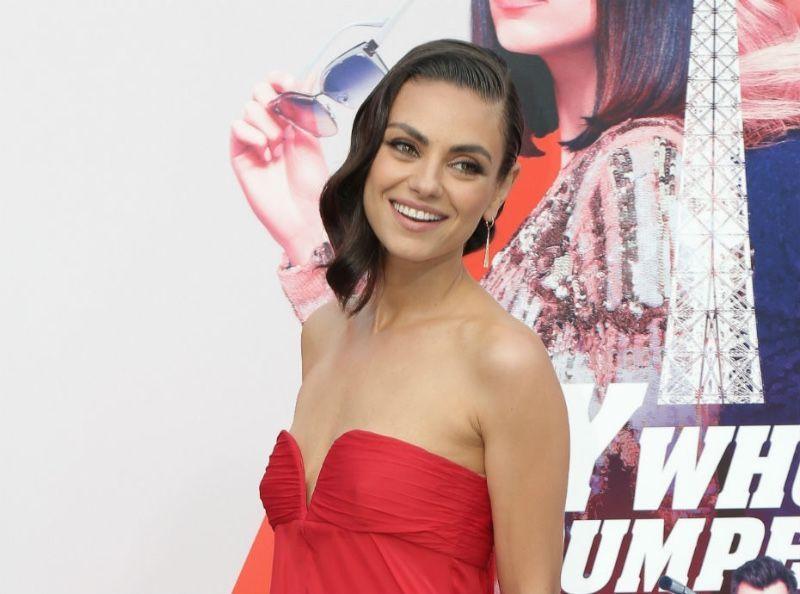 Mila Kunis : Elle se livre sur son voyage de noce cauchemardesque !