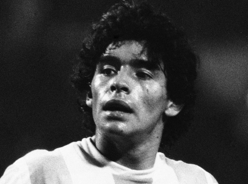 Mort de Diego Maradona : Cristiano Ronaldo, Lionel Messi, Kylian Mbappé... de très nombreuses stars ont rendu hommage à la légende