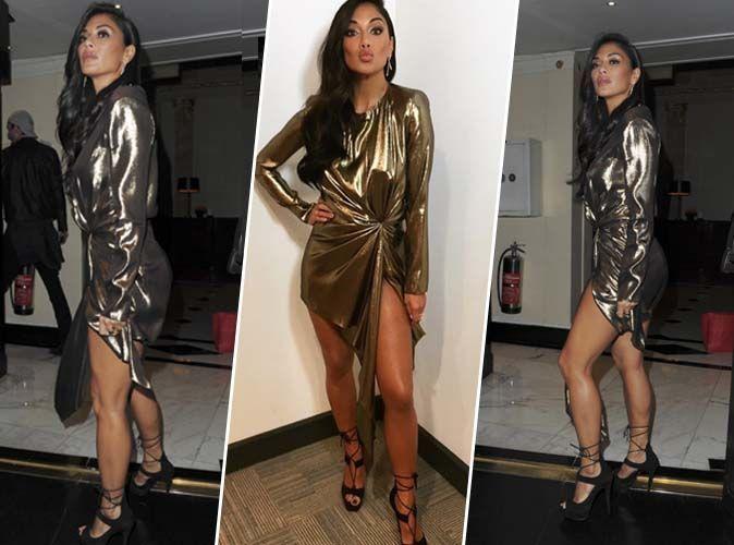 Nicole Scherzinger : Sexy chic en mini-robe dorée et sandales à talons laçées !