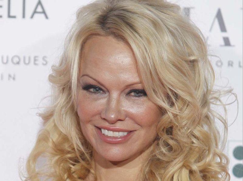 Pamela Anderson : C'est officiel, elle vient de signer son contrat de participation à DALS 9 !