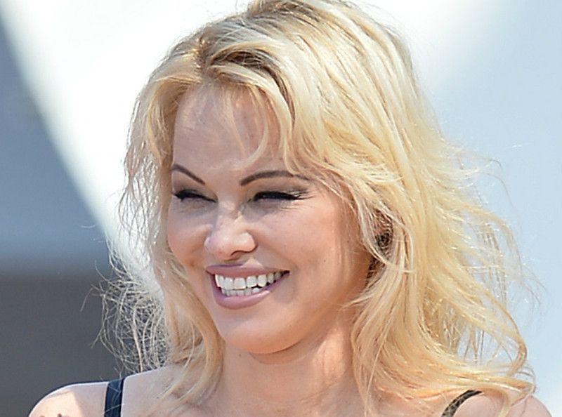 Pamela Anderson : Ce détail qui l'a fait craquer pour Adil Rami...