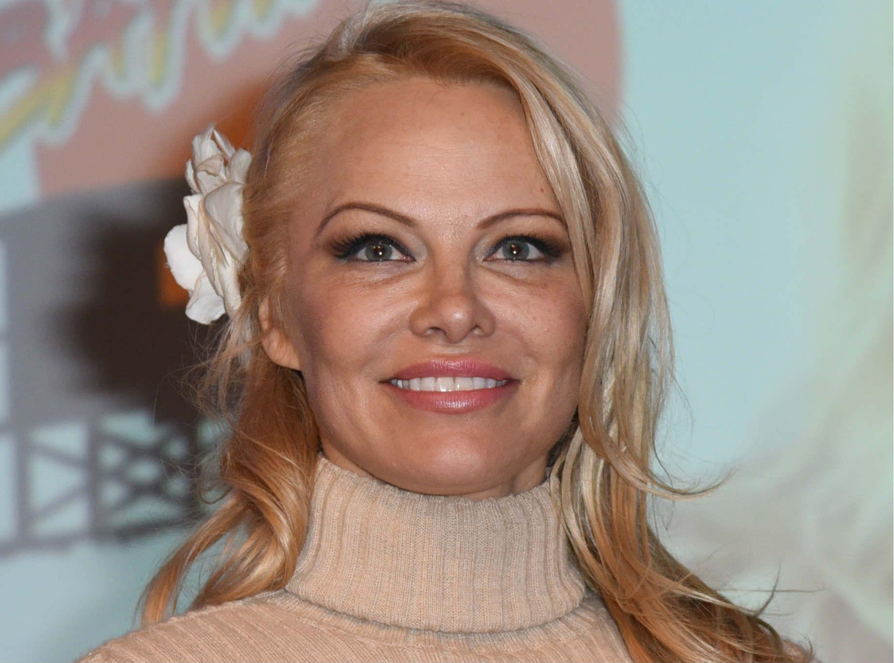 Pamela Anderson : Elle dit tout sur sa relation avec Adil Rami