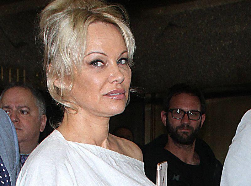 Pamela Anderson : Les secrets de sa vie de couple révélés