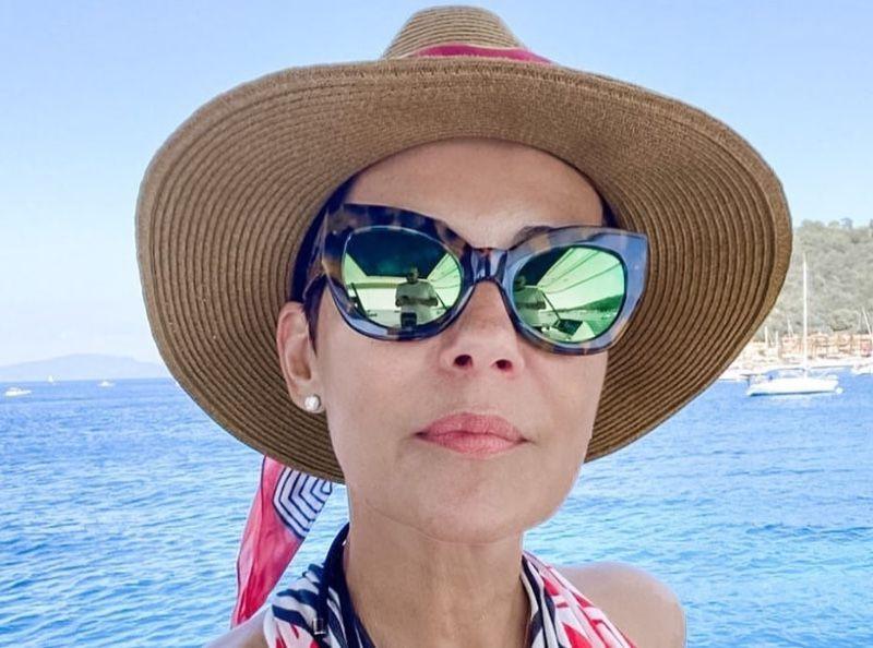 PHOTO - Les vacances au naturel de Cristina Cordula séduisent !