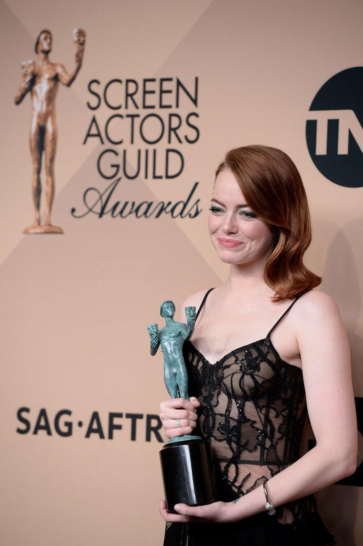23E Cérémonie Des Screen Actors Guild Awards photos : emma stone, denzel washington, bryan cranston découvrez