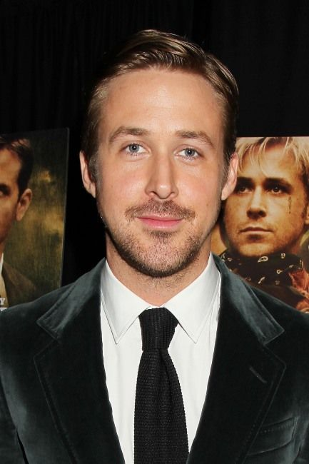 Ryan Reynolds datant chariser Theron