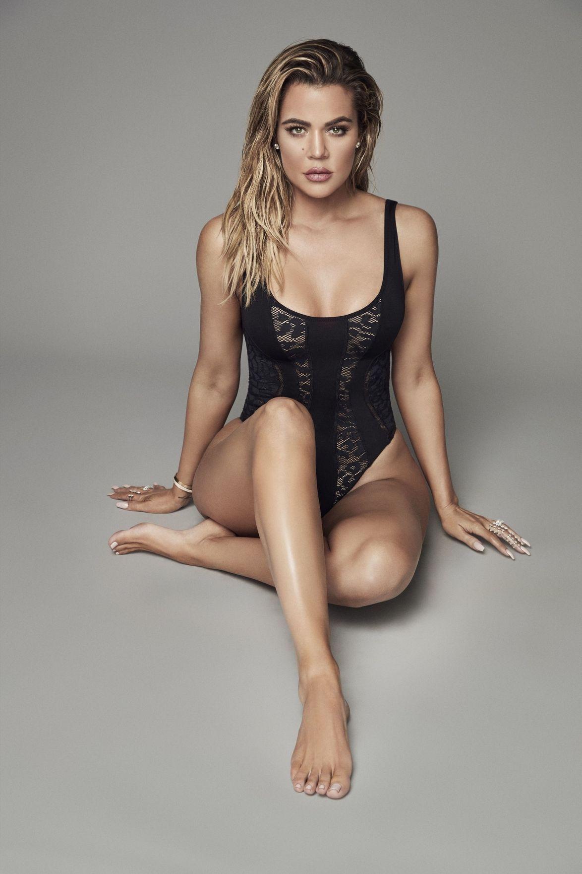 Photos   Khloe Kardashian lance une collection de body e2b7988bae2