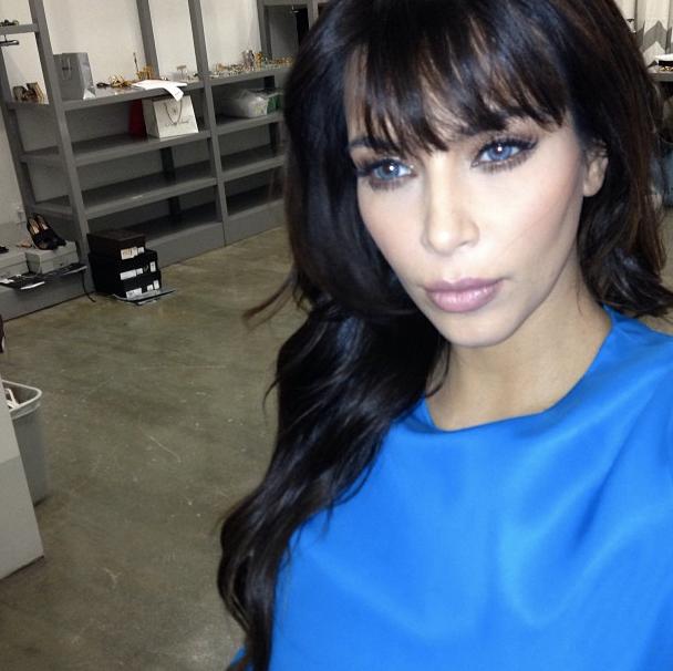 Exceptionnel Photos : Kim Kardashian : adepte des lentilles de couleur ! OU17