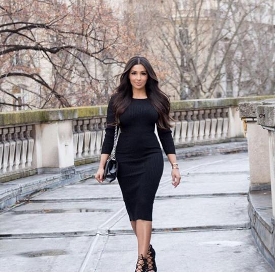Une Vraie Kim Sakho PhotosMajda Kardashian pLUVjSzGqM