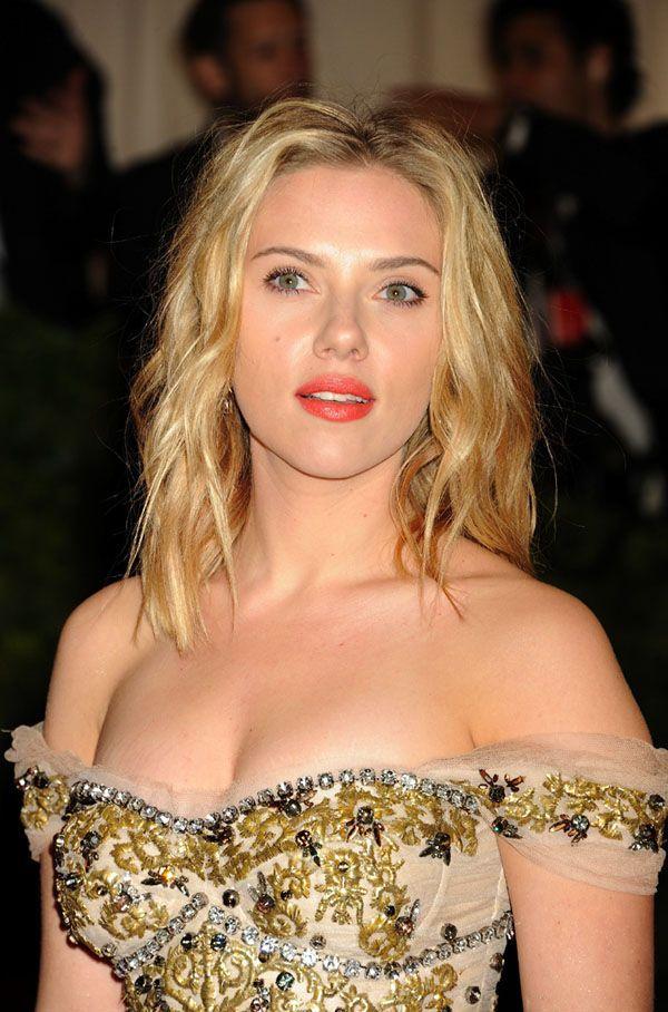 Photos : MET Ball 2012 : Scarlett Johansson : élégance et volupté pour vous  faire succomber !