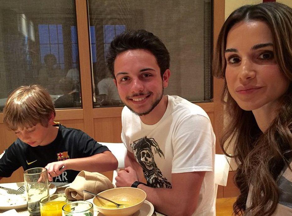 Photos Rania De Jordanie Et Son Beau Gosse De Fils