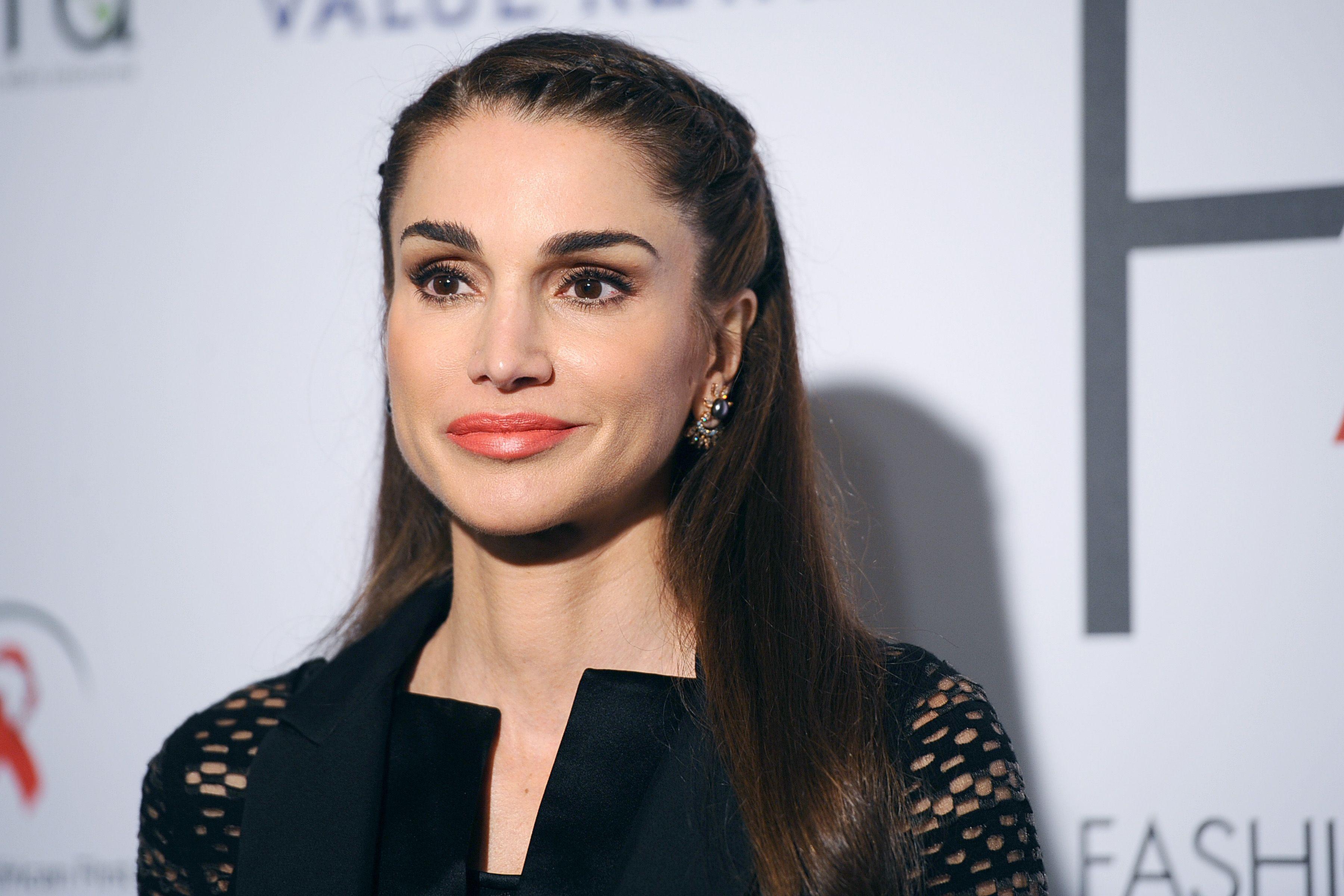 Photos Rania De Jordanie Reine De L Elegance De La Tete Aux Pieds