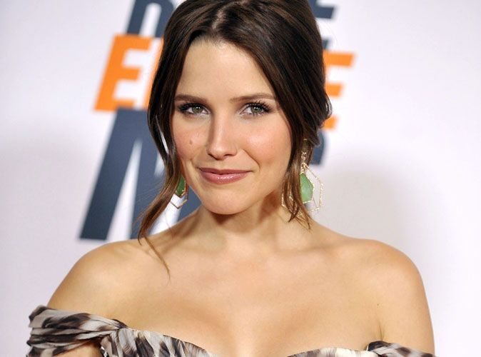 photos sophia bush une belle plante qui ne perd pas de son piquant 30 ans. Black Bedroom Furniture Sets. Home Design Ideas