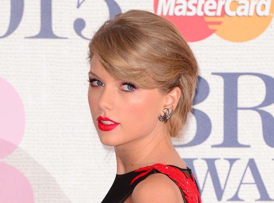 Public (bad) Buzz : Taylor Swift se fait lyncher par les fans de Kanye West !