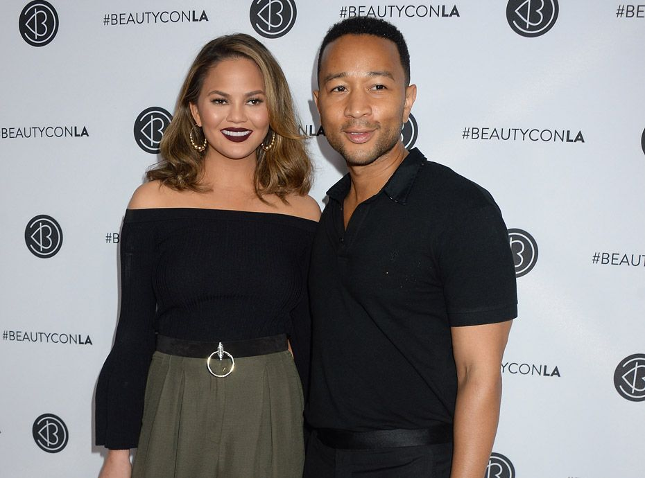 chrissy teigen et john legend bient t parents a n a pas t facile. Black Bedroom Furniture Sets. Home Design Ideas
