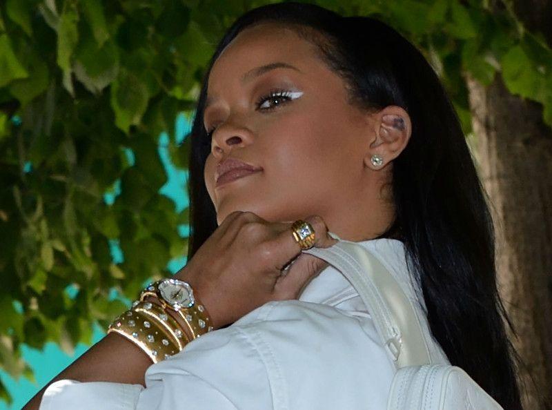 Rihanna : La police débarque chez elle... en hélicoptère !