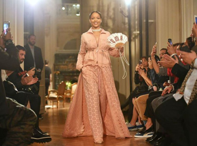 Rihanna signe son grand retour à la Fashion Week de New York