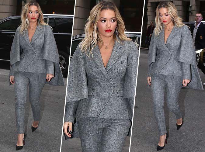 Rita Ora : total look gris pour