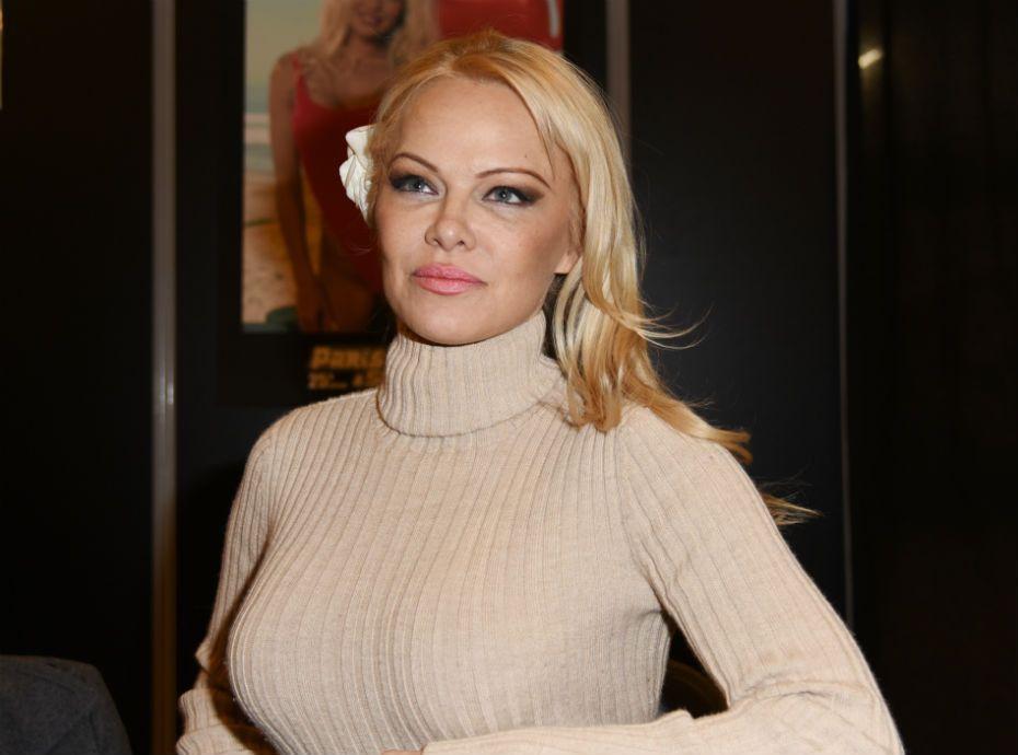 Saint-Valentin : Pamela Anderson va en vouloir à Adil Rami...