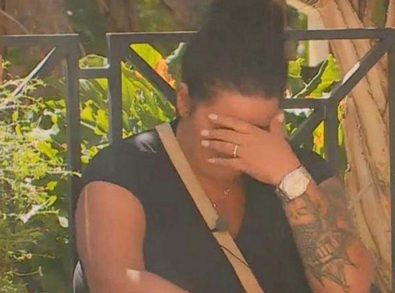 Sarah Fraisou (La Villa des Coeurs Brisés) en pleurs : Plongée dans une profonde tristesse à cause de cette terrible nouvelle !