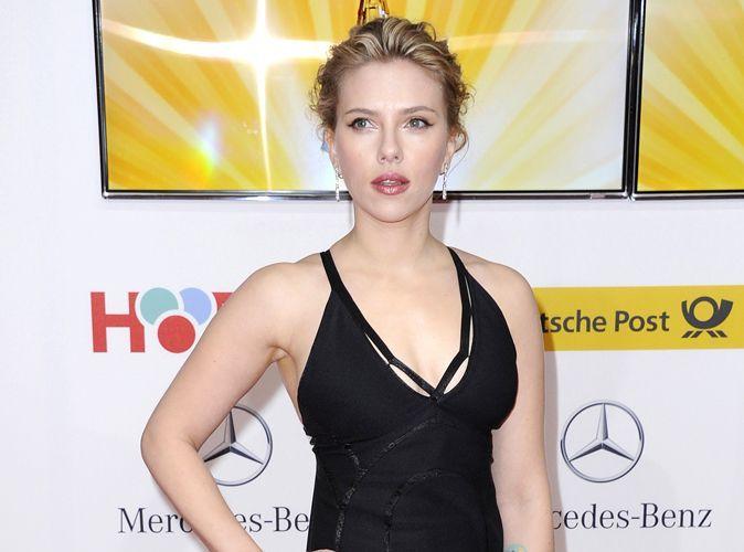 Scarlett johansson sa saint valentin en bikini - Scarlett prenom ...