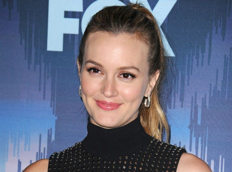 leighton single parents Meester will next star in abc's single parents alongside taran killam personal life in july 2011, meester and her mother, constance, filed lawsuits against each other over meester's.