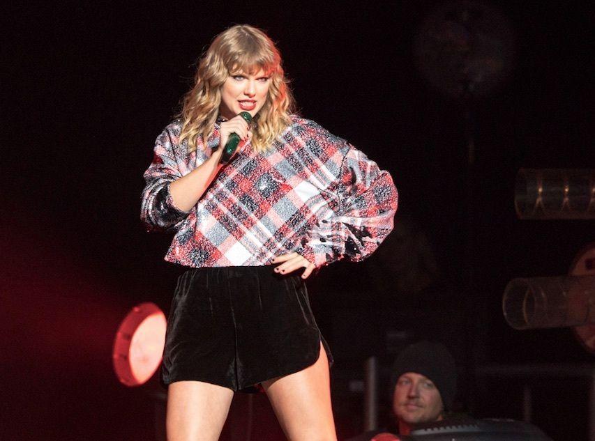 Taylor Swift : Un fan dérangé braque une banque pour elle !