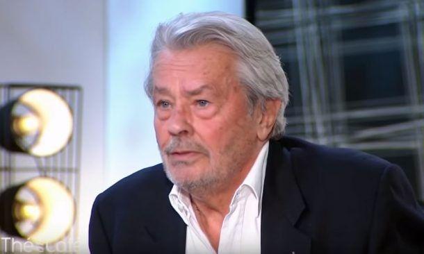 "Terrible ! Alain Delon ne ""parle plus"" depuis son AVC..."