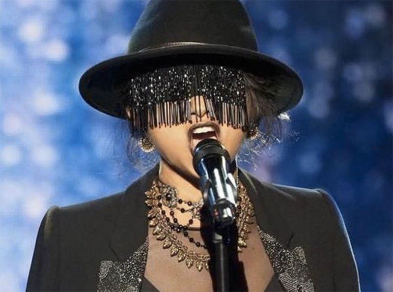 """The Voice : Après Coco, c'est """"Monstre"""" qui fait le buzz en provoquant la colère de Mika"""
