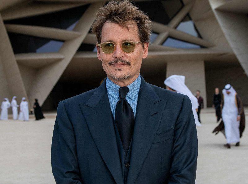 """TPMP : """"Johnny Depp est descendu torse nu avec un couteau""""... le récit glaçant d'un chroniqueur !"""