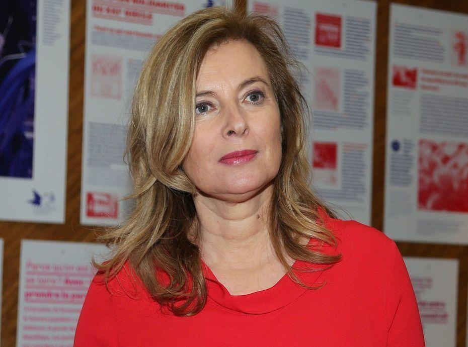 Valérie Trierweiler en couple avec Alain Delon ? Elle répond !