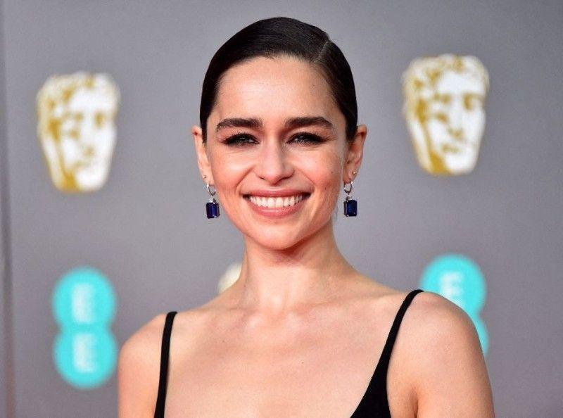 """Joyeux Anniversaire Emilia Clarke ! : Voici 5 faits insolites sur la star de """"Game of Thrones"""""""
