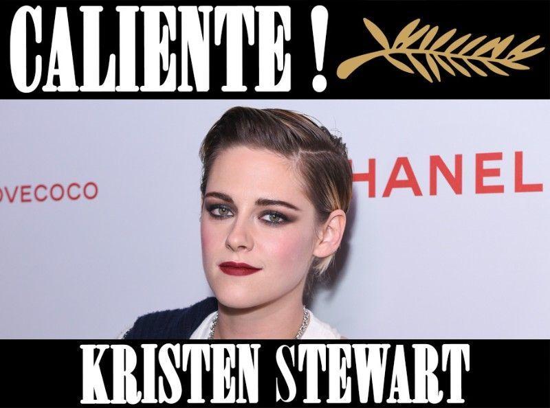 Kristen Stewart : Ténébreuse en robe noire et smoky eye !