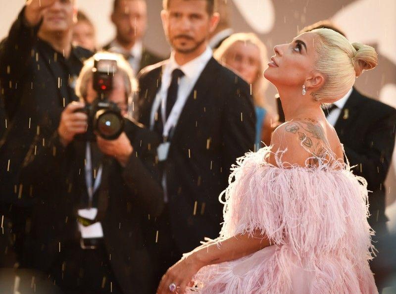 Lady Gaga : de Venise à Toronto, elle affole les tapis rouges