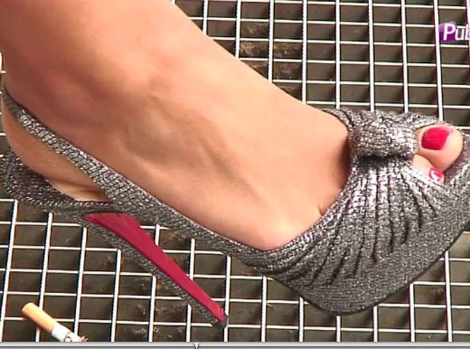 plus récent dada5 207b7 Exclu vidéo : à qui sont ces magnifiques chaussures Louboutin argentées ?