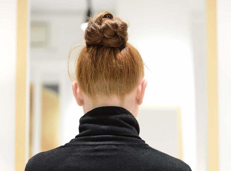 a221161b3b21 Cheveux   Découvrez notre tutoriel coiffure du chignon tressé façon Fendi