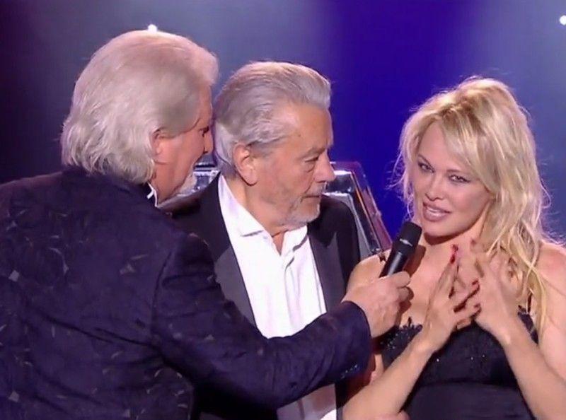 Zapping TV du 18 juin : Pamela Anderson dans Le Plus Grand Cabaret du Monde !