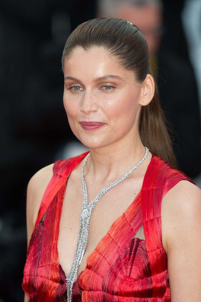 A 40 ans, Laetitia Casta rayonne sur le tapis rouge du Festival de Cannes