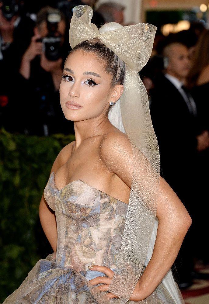 Ariana Grande : En couple depuis trois semaines, elle s'est déjà fiancée !