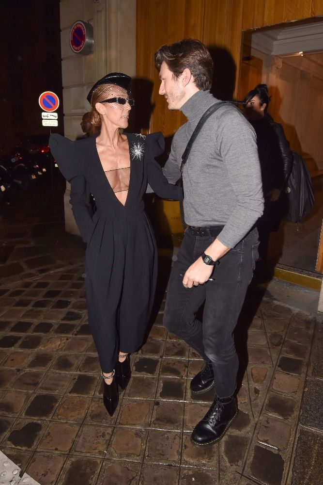 très loué joli design gamme complète d'articles Céline Dion : Très décolletée face à Pepe Munoz pour une ...