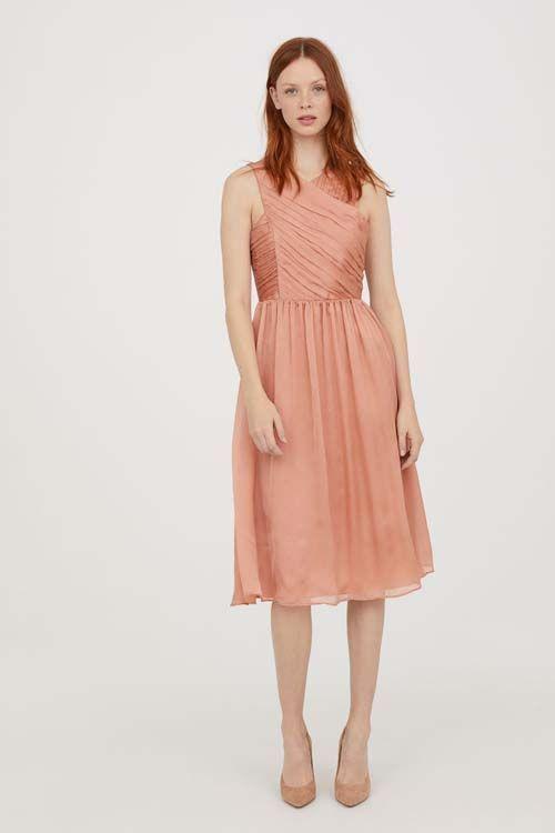 eb8aeeee497 H M lance une collection de robe de mariées... et parmi elles se trouve la  réplique de celle de Kate Middleton !