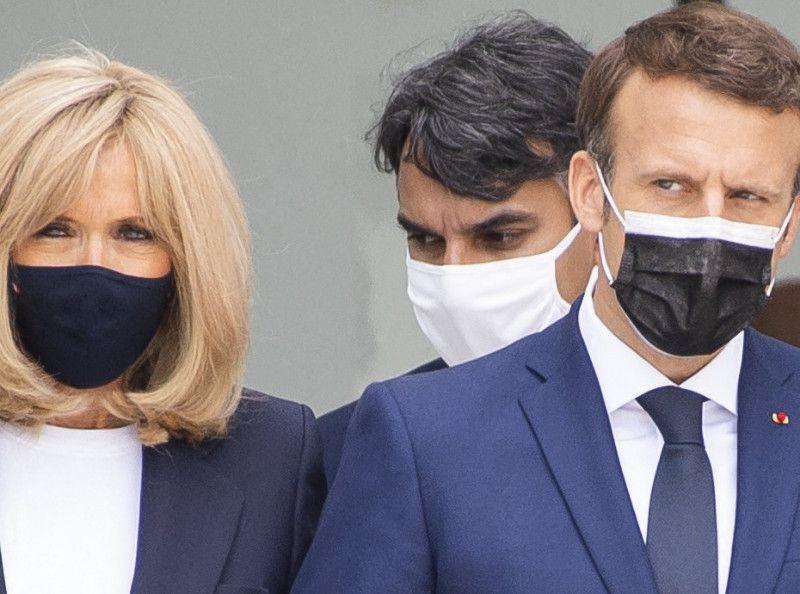 Incroyable mais vrai ! Emmanuel et Brigitte Macron reçoivent Justin Bieber et sa compagne à l'Elysée… la photo ICONIQUE !