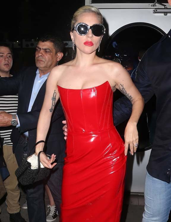 Lady Gaga enregistre-t-elle un album dans notre dos ?