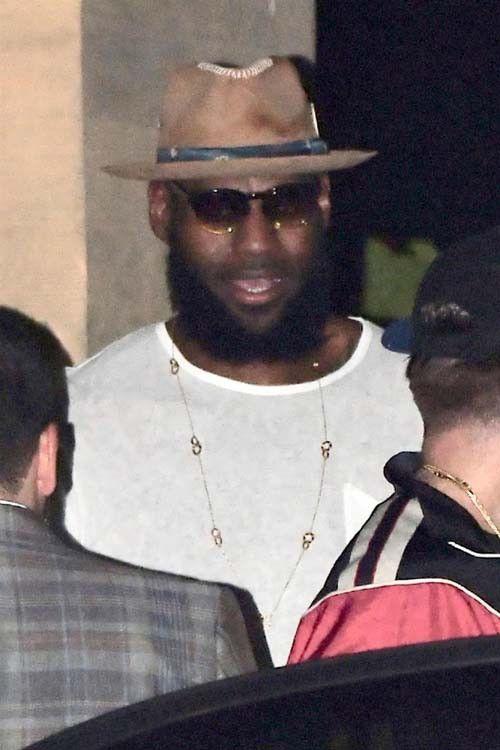 LeBron James fête son contrat à 154 millions de dollars avec Khloé Kardashian !