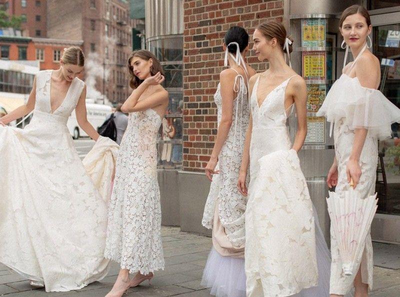 f6f5a83d430 Qui devriez-vous emmener pour choisir votre robe de mariée