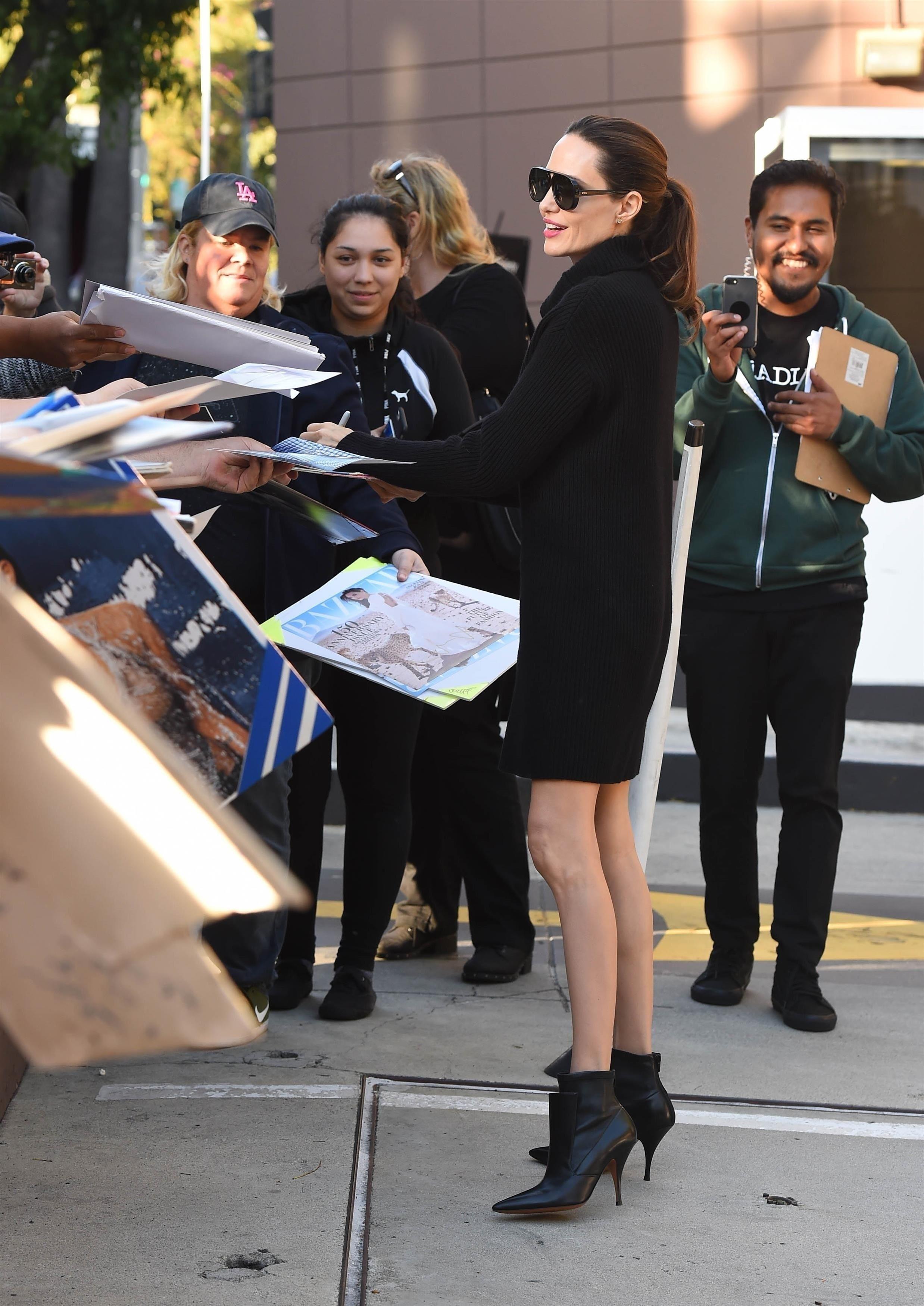 Angelina Jolie Anorexique Photo photos : angelina jolie : radieuse mais plus maigre que jamais